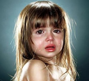 crying-babies-cute-paintings2